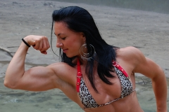 biceps-muscle-girl